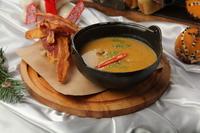 Крем суп с тыквой и беконом