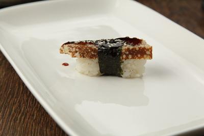 Суши с японским омлетом