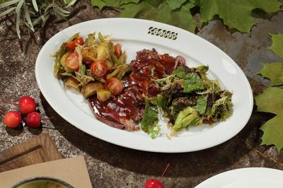 Салат с обоженной вырезкой